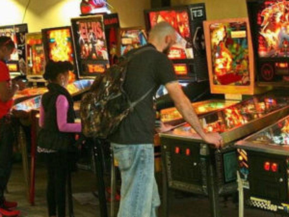 retro-arcade-jax-02