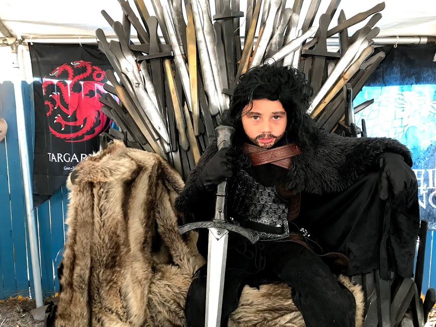 cosplay_michael_jon_snow_iron_throne